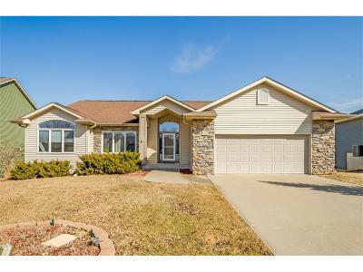 Coralville Single Family Home For Sale: 2043 Glen Oaks Drive
