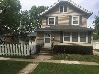 Cedar Rapids Single Family Home For Sale: 349 21st Street SE