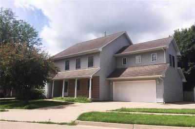Iowa City Single Family Home For Sale: 1229 Hunters Run
