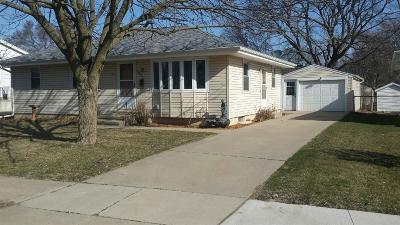 Cedar Rapids Single Family Home For Sale: 2632 D Avenue NW
