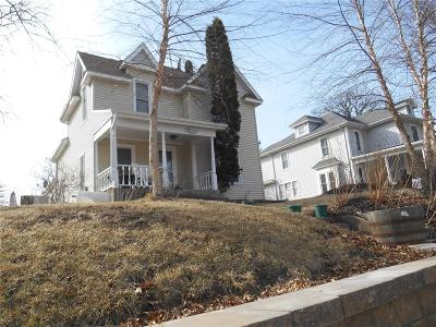 Anamosa Single Family Home For Sale: 216 N Huber Street