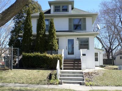 Cedar Rapids Single Family Home For Sale: 330 17th Street SE