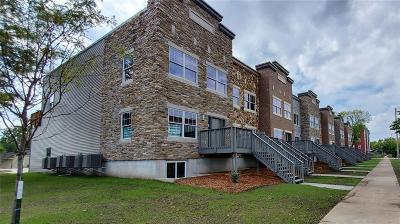 Cedar Rapids Condo/Townhouse For Sale: 409 2nd Avenue SW