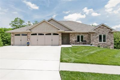 Cedar Rapids Single Family Home For Sale: 5620 River Parkway NE
