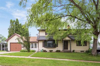 Iowa City Single Family Home For Sale: 816 Woodside Drive