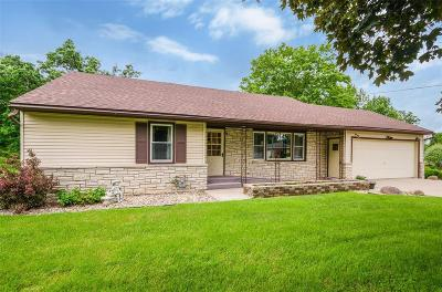 Anamosa Single Family Home For Sale: 500 S Oak Street