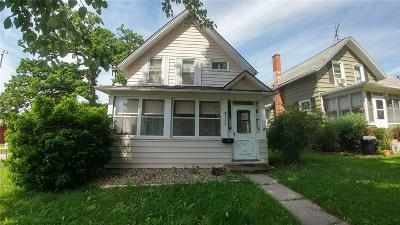 Anamosa Single Family Home For Sale: 300 N Garnavillo Street