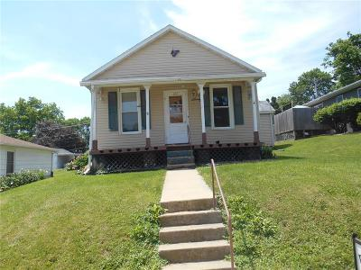 Anamosa Single Family Home For Sale: 212 N Ford Street