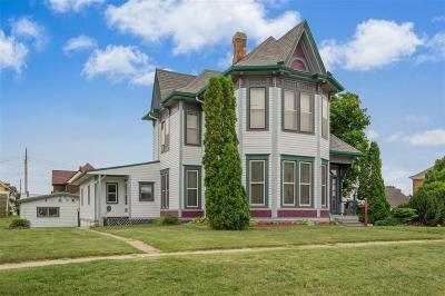 Vinton Single Family Home For Sale: 504 E 5th Street