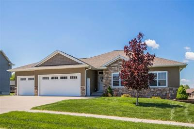 North Liberty Single Family Home For Sale: 1630 Stone Creek Circle