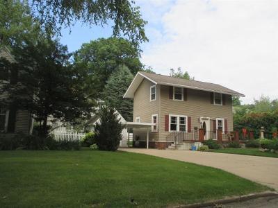 Cedar Rapids Single Family Home For Sale: 350 Woodland Drive SE