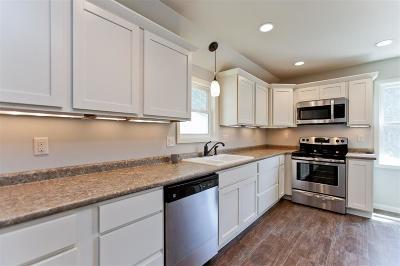 Cedar Rapids Single Family Home For Sale: 612 26th Street SE