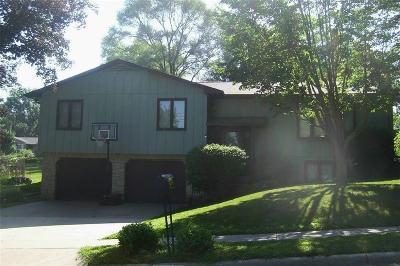 Iowa City Single Family Home For Sale: 302 Washington Park Road