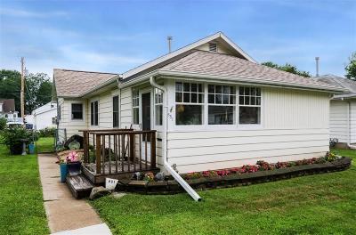 Cedar Rapids IA Single Family Home For Sale: $127,500