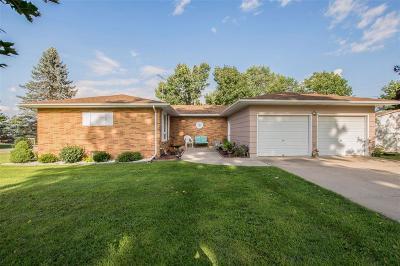Anamosa Single Family Home For Sale: 1201 E 3rd Street