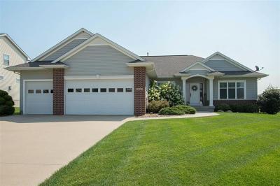 Cedar Rapids IA Single Family Home For Sale: $389,900