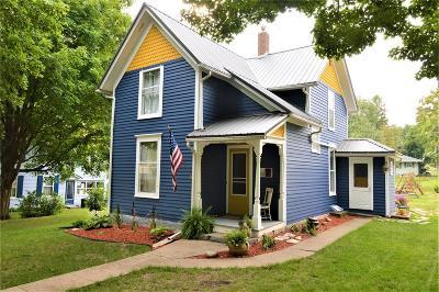 Mt Vernon Single Family Home For Sale: 209 A Avenue SE