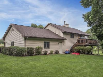 Cedar Rapids Single Family Home For Sale: 9497 Deer Ridge Drive