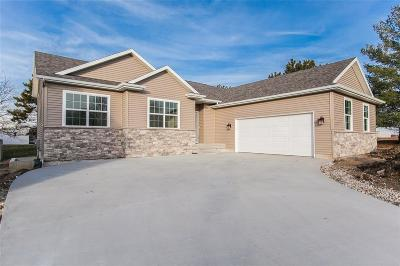 Hiawatha Single Family Home For Sale: 2130 Wolf Creek Trail