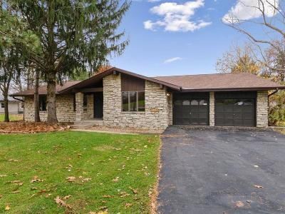 Cedar Rapids Single Family Home For Sale: 5841 Shiloh Lane