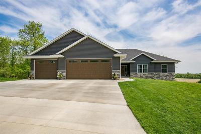 Hiawatha Single Family Home For Sale: 3013 Forrest Meadow Lane