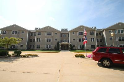 Anamosa Condo/Townhouse For Sale: 1701 130th Street #306