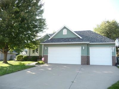 Iowa City Single Family Home For Sale: 1419 Chamberlain Drive