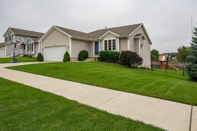 Cedar Rapids Single Family Home For Sale: 913 74th Street NE