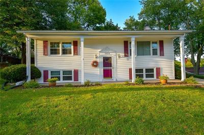Cedar Rapids Single Family Home For Sale: 3220 O Avenue NW
