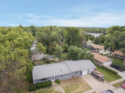 Iowa City Single Family Home For Sale: 1606 Highland Avenue