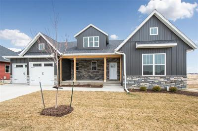 Tiffin Single Family Home For Sale: 1702 Green Oak Pass