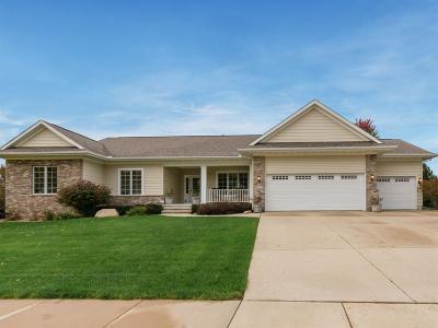 Cedar Rapids Single Family Home For Sale: 4712 Chestnut Ridge Road NE