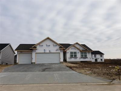 Cedar Rapids Single Family Home For Sale: 1626 Prairie Rose Drive SW