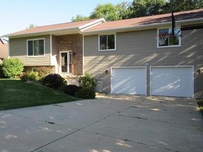 Cedar Rapids Single Family Home For Sale: 5008 Broadlawn Drive SE