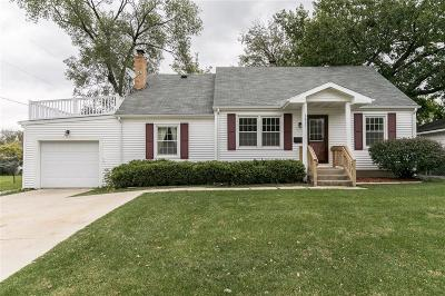 Cedar Rapids Single Family Home For Sale: 3611 C Avenue NE