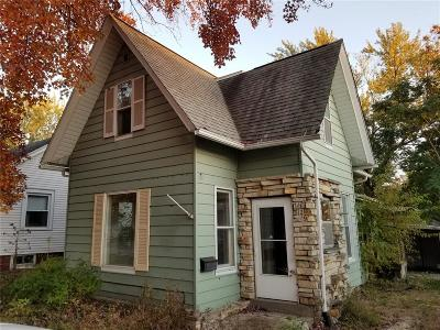 Cedar Rapids Single Family Home For Sale: 129 35th St Drive SE