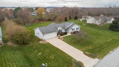 Cedar Rapids Single Family Home For Sale: 7411 Commune Court