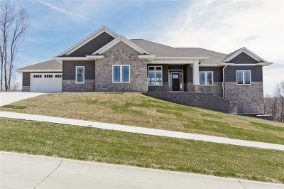Cedar Rapids Single Family Home For Sale: 5510 River Parkway NE