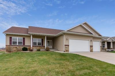 Cedar Rapids Single Family Home For Sale: 701 Tiburan Lane NE