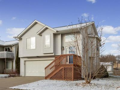 North Liberty Single Family Home For Sale: 50 Augusta Court