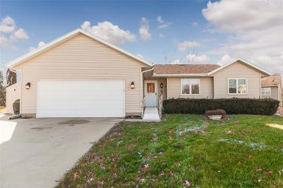 Cedar Rapids IA Single Family Home For Sale: $159,000