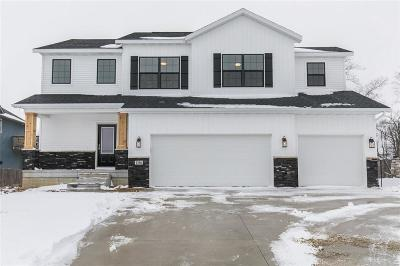 Coralville Single Family Home For Sale: 1106 Ryan Circle