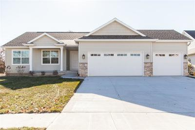 Hiawatha Single Family Home For Sale: 2135 Wolf Creek Trail