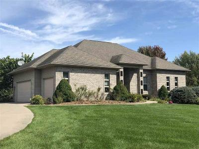 Iowa City Single Family Home For Sale: 302 Butternut Lane