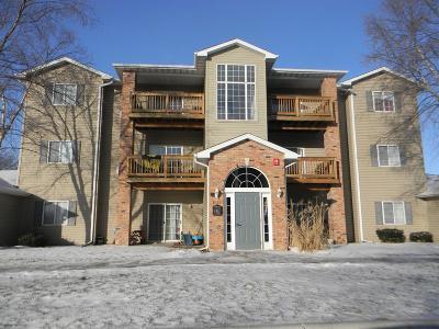 Iowa City Condo/Townhouse For Sale: 2875 Triple Crown Lane #12