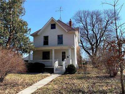Iowa City Single Family Home For Sale: 2103 H Street