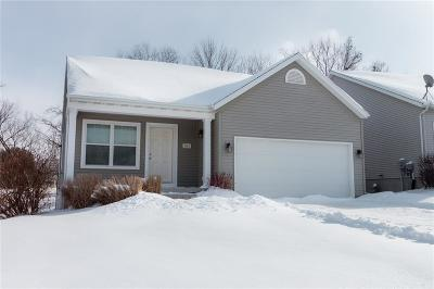 Single Family Home For Sale: 2061 Rosewood Drive NW