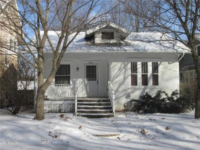 Cedar Rapids Single Family Home For Sale: 2012 Bever Avenue SE