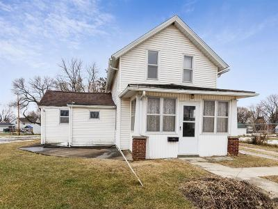 Fairfax IA Single Family Home For Sale: $89,950
