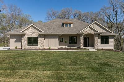 Hiawatha Single Family Home For Sale: 3045 Dell Ridge Lane